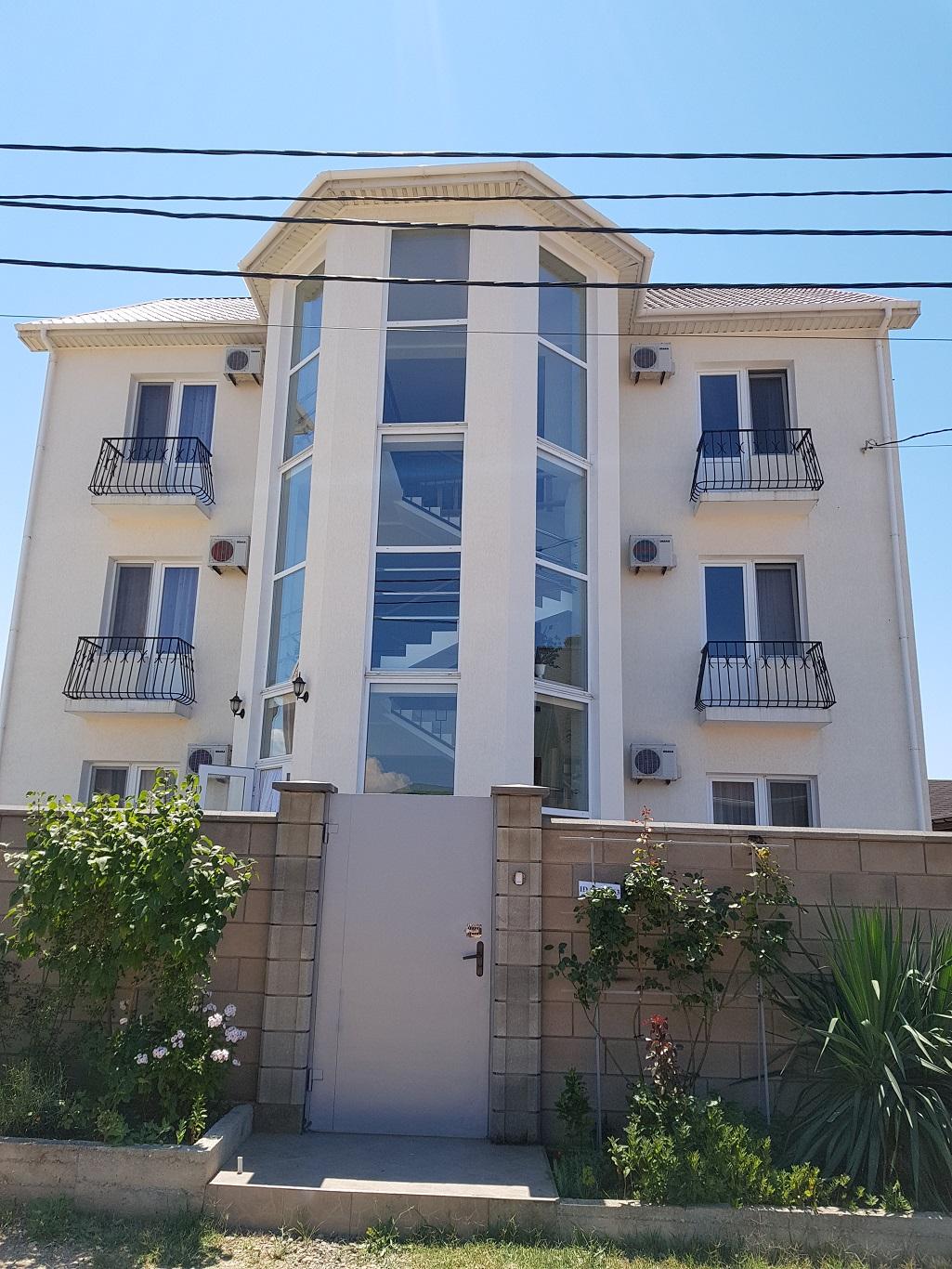 Продаётся дом с мини-гостиницей (пос.Кача)